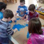 Upoznavanje djece sa sjevernim i južnim polom