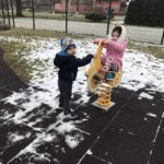 Snježne radosti malih Zvončica na igralištu!